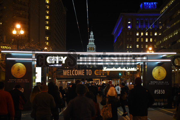 02 February 2016: The entrance to Super Bowl City on Market Street with the San Francisco Ferry Building clock tower in the background as part of the Super Bowl 50 preview in San Francisco, CA.  (Photo by Chris Williams/Icon Sportswire)