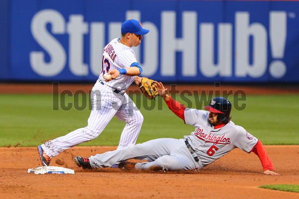 17 MAY 2016: New York Mets shortstop Asdrubal Cabrera (13) makes the throw to first after getting Washington Nationals third baseman Anthony Rendon (6) out at second during the game between the New York Mets and the Washington Nationals played at Citi Field in Flushing,NY.(Photo by Rich Graessle/Icon Sportswire)