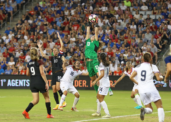 22 July 2016: Costa Rica goalkeeper Noelia Bermudez (13) goes high to get the crossing pass late in a friendly match between Costa Rica and the USA.  This was the final match for the USA before heading to Brazil for the 2016 Olympic Games.  The USA won 4-0. (Photo by Scott Winters/ICON Sportswire)