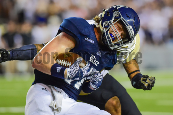 September 16, 2016: Rice Owls wide receiver Zach Wright (17) takes a hard hit after a reception during the Baylor Bears vs Rice Owls at Rice Stadium , Houston, Texas. (Photo by Ken Murray/Icon Sportswire)