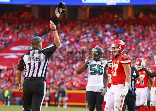 KANSAS CITY, MO - NOVEMBER 06: Field Judge Mike Weatherford (116) ejects Kansas City Chiefs tight end Travis Kelce (87) after Kelce threw his towel at him during the fourth quarter of a week 9 NFL game between the Jacksonville Jaguars and Kansas City Chiefs on November 06, 2016 at Arrowhead Stadium in Kansas City, MO.  The Chiefs won 19-14. (Photo by Scott Winters/Icon Sportswire)