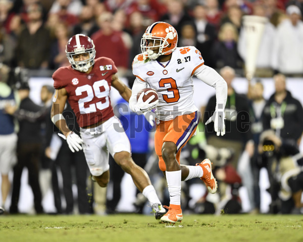 TAMPA, FL - JANUARY 09: Clemson University wide receiver Artavis Scott (3) returns a punt during the first half of the CFP National Championship game between the Alabama Crimson Tide and the Clemson Tigers on January 09, 2017, at Raymond James Stadium in Tampa, FL. (Photo by Roy K. Miller/Icon Sportswire)