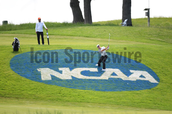SUGAR GROVE, IL - MAY 28: Illinois Fighting Illini Nick Hardy hits from the rough on the NCAA logo at the 18th hole during the NCAA Division I Men's Golf Championship on May 28, 2017, at Rich Harvest Farms in Sugar Grove, Illinois. (Photo by Patrick Gorski/Icon Sportswire)